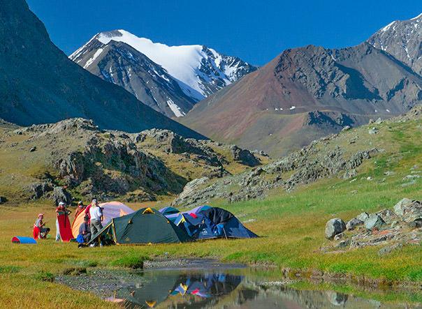 лагерь в горах Алтая. Долина Елангаш
