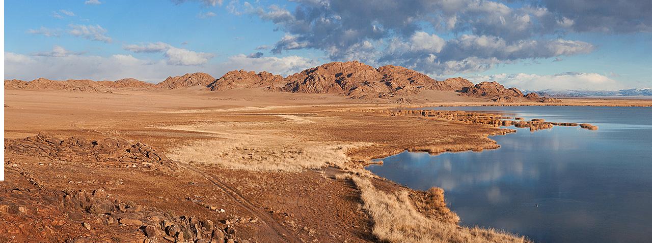 Ачит нур, озеро в монголии